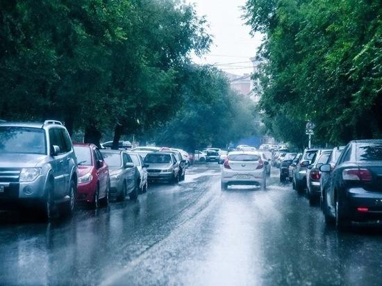 На Волгоградскую область надвигаются грозы и ливни со шквалистым ветром