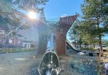 Старую детскую площадку в Муравленко превращают в межпланетную станцию