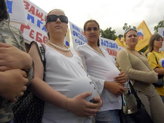Почти никто их госпитализированных с COVID-19 будущих мам не был вакцинирован