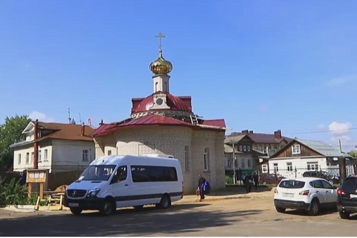 На территории первой окружной больницы Костромы освящен храм Пантелеймона и Елисаветы