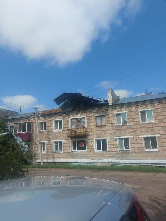 Шквалистый ветер снес две крыши в амурском селе