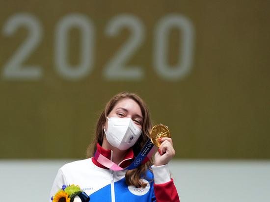 Бацарашкина выиграла свое второе золото на Играх в Токио