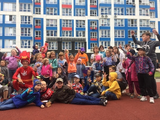 Дворовые праздники с баттлом в стиле TikTok прошли на Алтае