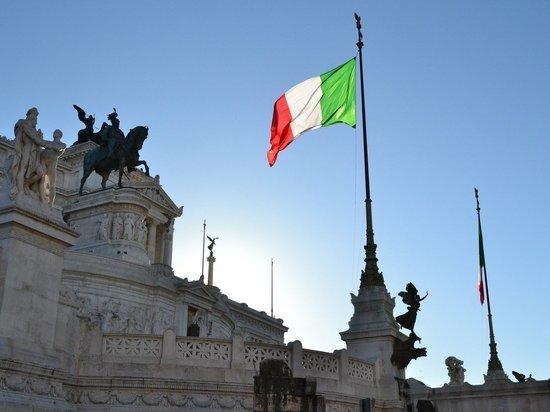 Депутаты устроили потасовку во время обсуждения вакцинации в Италии