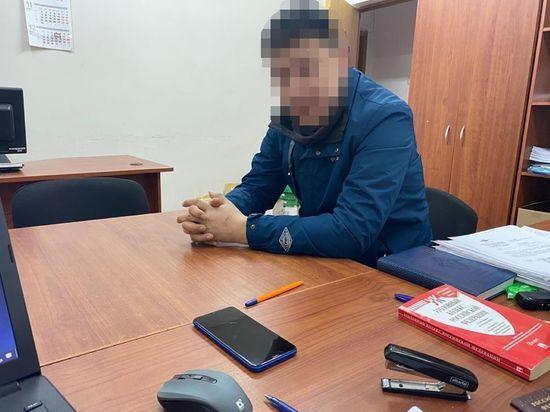Передавшему заключенному телефон сотруднику калмыцкой колонии предъявят обвинение