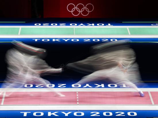 Российские фехтовальщики завоевали серебро в командной шпаге