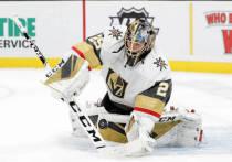 """В Национальной хоккейной лиге состоялся сенсационный обмен: """"Вегас"""" отдал лучшего вратаря сезона за игрока, который не провел ни одного матча в НХЛ. """"МК-Спорт"""" рассказывает, как такое оказалось возможным, и к чему приведет."""