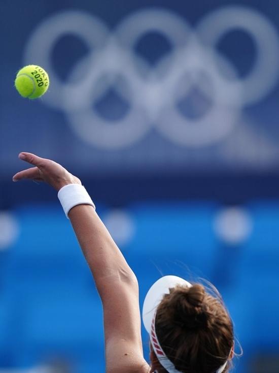 В финале теннисного турнира в миксте сыграют две российские пары