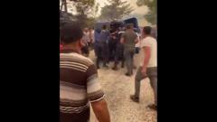 Задержанных в Турции поджигателей чуть не предали суду Линча: видео