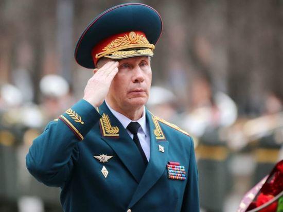 Золотов присвоил звание лейтенанта олимпийской победительнице Бацарашкиной