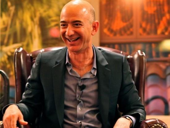 Безос потерял первое место в рейтинге миллиардеров Forbes