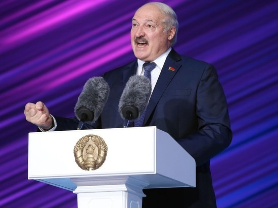 Белорусский лидер Александр Лукашенко заявил, что Минск никак не препятствовал отъезду из страны лидера оппозиции Светланы Тихановской, а также не принуждал ее к эмиграции