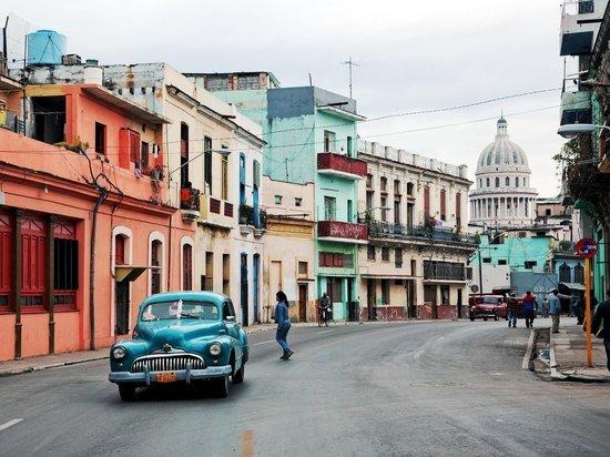 США решили найти способ обеспечить кубинцев интернетом
