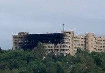 Сегодня ночью произошел сильный пожар на территории военного госпиталя на улице Серышева в Хабаровске