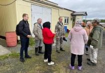 Готовность к зиме поселка Пельвож проверил глава Салехарда