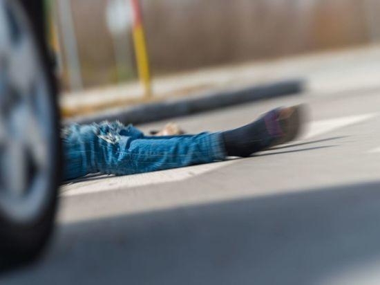 Житель Ленобласти погиб под колесами «BMW» в Приозерском районе