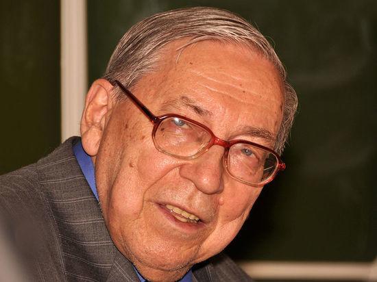Мишустин выразил соболезнования в связи со смертью Ясена Засурского