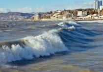 Черноморские курорты Краснодарского края живут по новым антиковидным правилам всего один день, а туротрасль уже бьет тревогу, провозглашая «проваленный бархатный сезон»