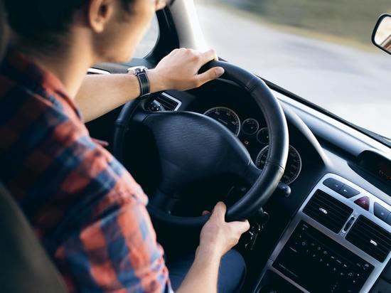 Псковским автомобилистам напомнили о сроках уплаты штрафов