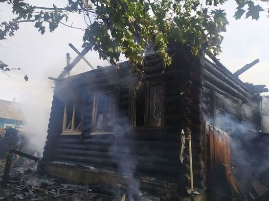 В Меленковском районе Владимирской области сгорел жилой дом