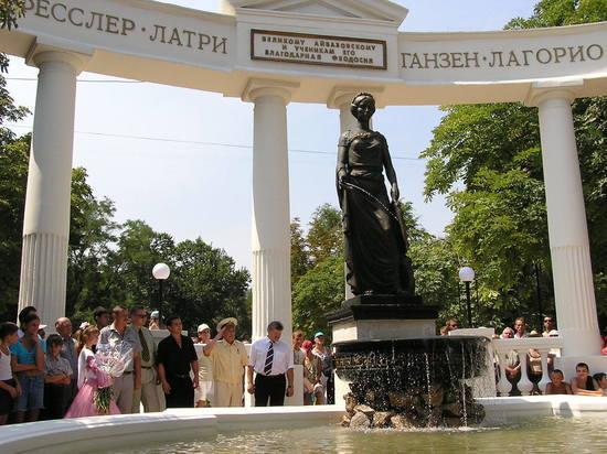 В Феодосии облагородили фонтан-памятник, посвященный великому Айвазовскому