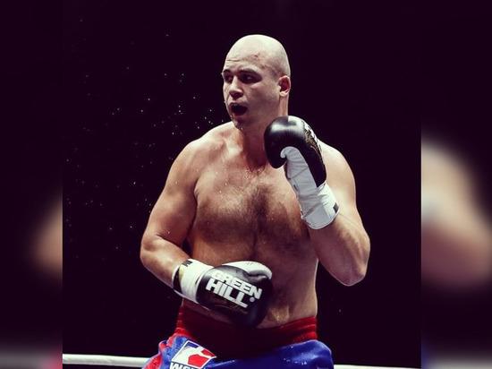 Петербургский боксер Верясов проиграл четвертьфинальный бой на Олимпиаде в Токио