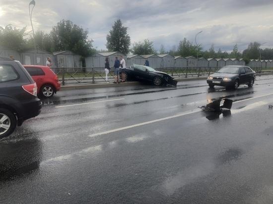 Любителей быстрых скоростей разбросало по дороге на Руставели