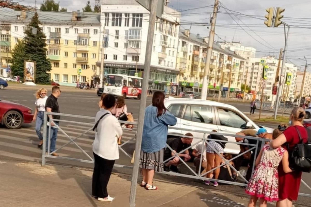 В Костроме  дама на «БМВ Х3» сбила 5-летнего ребенка на пешеходном переходе