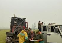 В Горном районе Якутии продолжаются работы по тушению лесных пожаров.