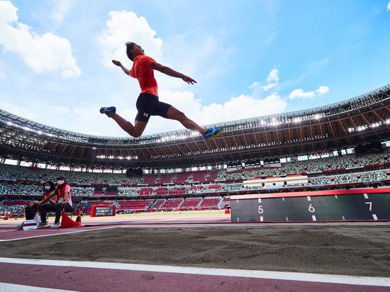Грек стал победителем по прыжкам в длину с последней попытки