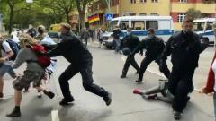 Противников коронавирусных ограничений жестко разогнали в Берлине: видео