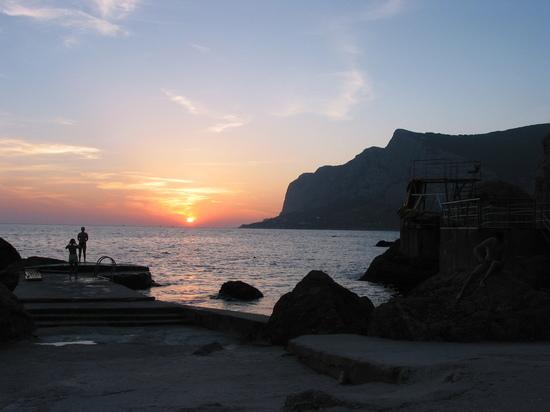 Крым остается курортом, который посещают жители многих постсоветских стран
