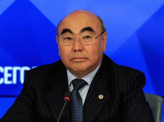 Первый президент Киргизии Аскар Акаев вернулся на родину после 16-летнего отсутствия