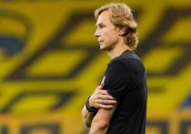 Главный тренер сборной России Валерий Карпин, назначенный на этот пост всего две недели назад на условиях совмещения работы в сборной и в клубе «Ростов», объявил о том, что покидает «Ростов».