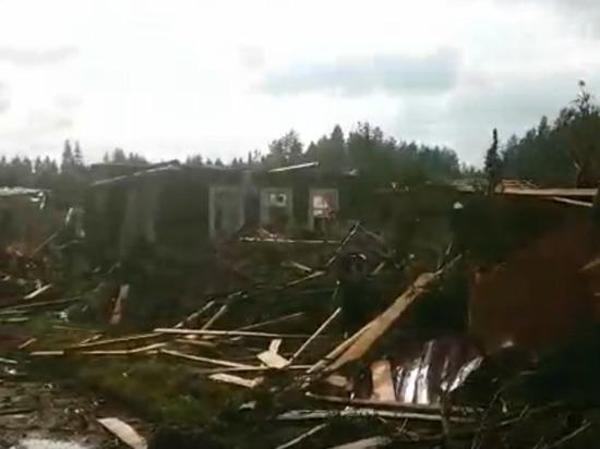 В социальных сетях после прохождения урагана по Тверской области опубликованы видеозаписи с последствиями удара природной стихии