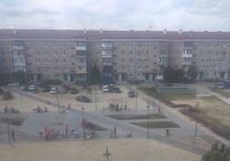Песок летит в окна: жители Ноябрьска просят посадить деревья в новом сквере
