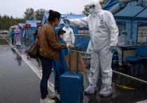 Более 30 регионов Китая призвали жителей воздержаться от ненужных поездок из-за резкой вспышки коронавирусных инфекций, вызываемых вариантом «Дельта»