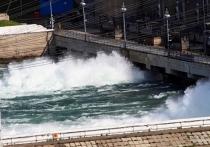 В Иркутске не утихают споры по поводу роста сбросов через Иркутскую ГЭС