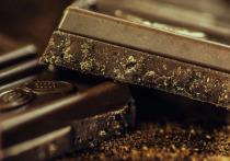 Австралийский диетолог Лиэнн Уорд рассказала, как правильно употреблять шоколад без вреда для здоровья, пишет Daily Mail