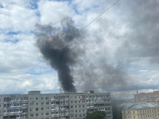 В Туле на Красноармейском проспекте горит многоэтажка