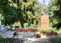 В Грайворонском горокруге Белгородской области продолжается реконструкция братских могил и обелисков