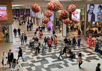 В марте прошлого года, когда в надежде обуздать первую волну коронавирусной пандемии европейские страны начали одна за другой вводить жесткие требования массовой самоизоляции, Швеция выбрала другую стратегию борьбы с пандемией