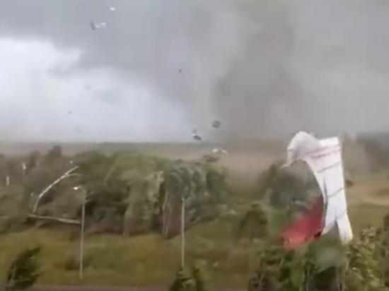 Во время торнадо в городе Андреаполь Тверской области погибла акушерка местного родильного отделения