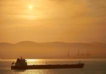 AP сообщило о возможном массовом угоне танкеров у берегов ОАЭ