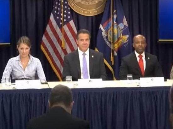 В США губернатора Нью-Йорка призвали уйти в отставку