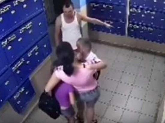 В Уфе мужчина избил двоих детей на глазах у матери