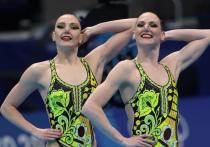 Россиянки Светлана Ромашина и Светлана Колесниченко выиграли золото в синхронном плавании в дуэтах