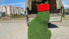 Житель Череповца отработал прием рукопашного боя на городском арт-объекте: видео