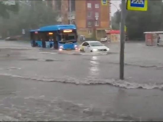 Сильные ливни затопили Кемерово