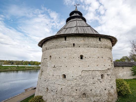 На онлайн-экскурсию по Покровской башне и Псковской крепости приглашают псковичей